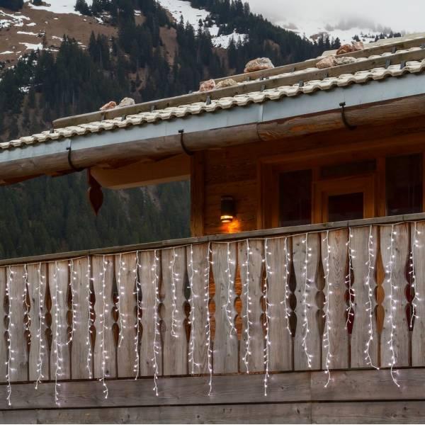 Guirlande stalactite H120cm 4 mètres effet chute de neige 480 LED blanc froid câble blanc 230 V décoration illumination noël