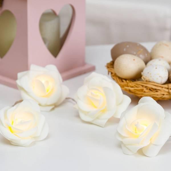 Guirlande lumineuse led roses blanches décoratives 1.35m à piles blanc chaud