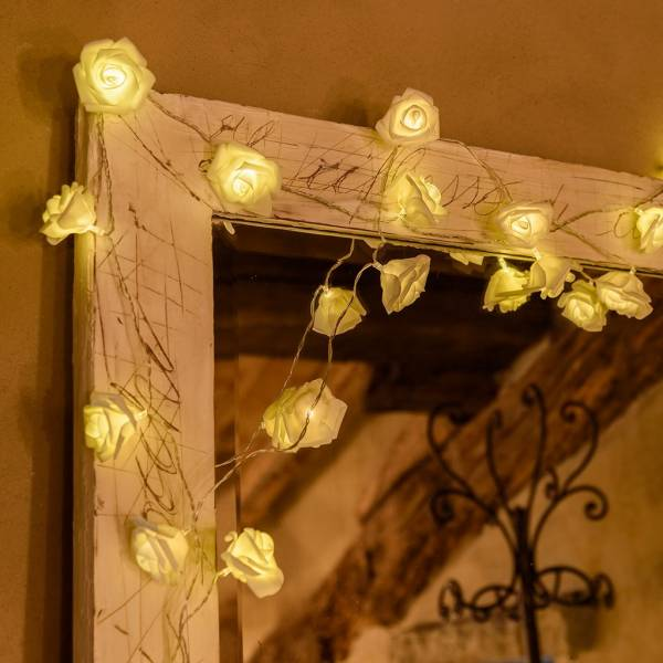 Guirlande led roses decorative 1.35m à piles blanc chaud décoration cosy cadre miroir