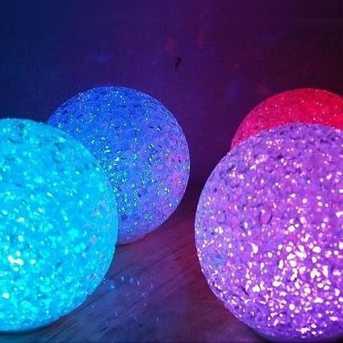 petit boule lumineuse led cristal piles changement de couleur. Black Bedroom Furniture Sets. Home Design Ideas