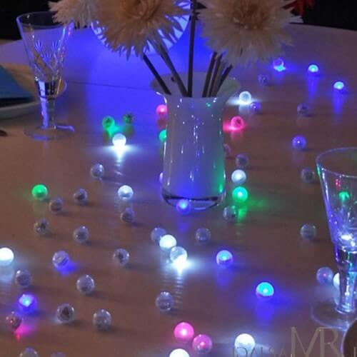 lot de 12 mini boules lumineuse led flottante piscine piles 6 couleurs. Black Bedroom Furniture Sets. Home Design Ideas