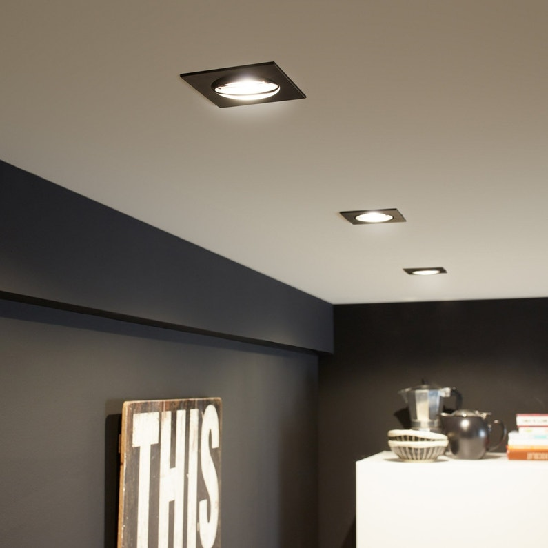 Comment installer des spots encastrables au plafond comme un PRO ?